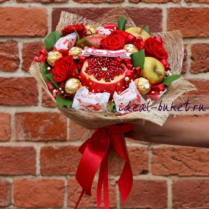 """Букет из фруктов, цветов и конфет """"Аромат"""""""