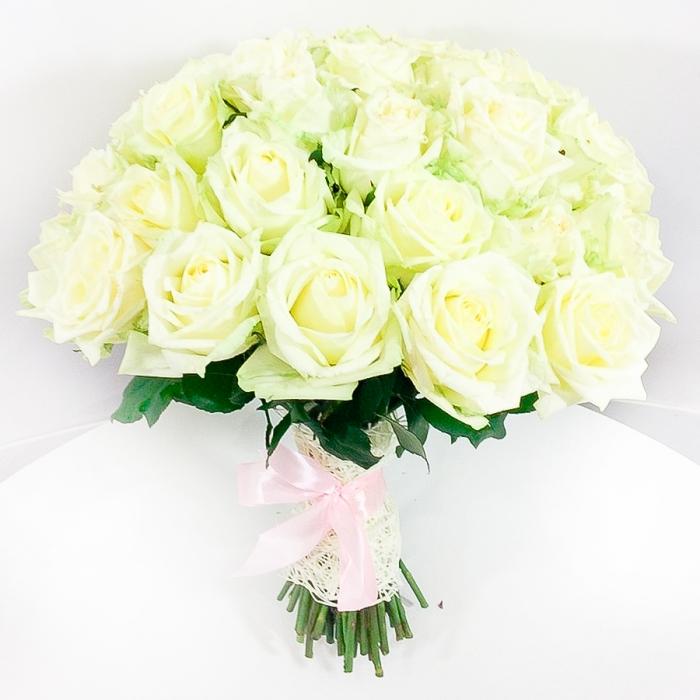 Акция! 51 белая роза + подарок!