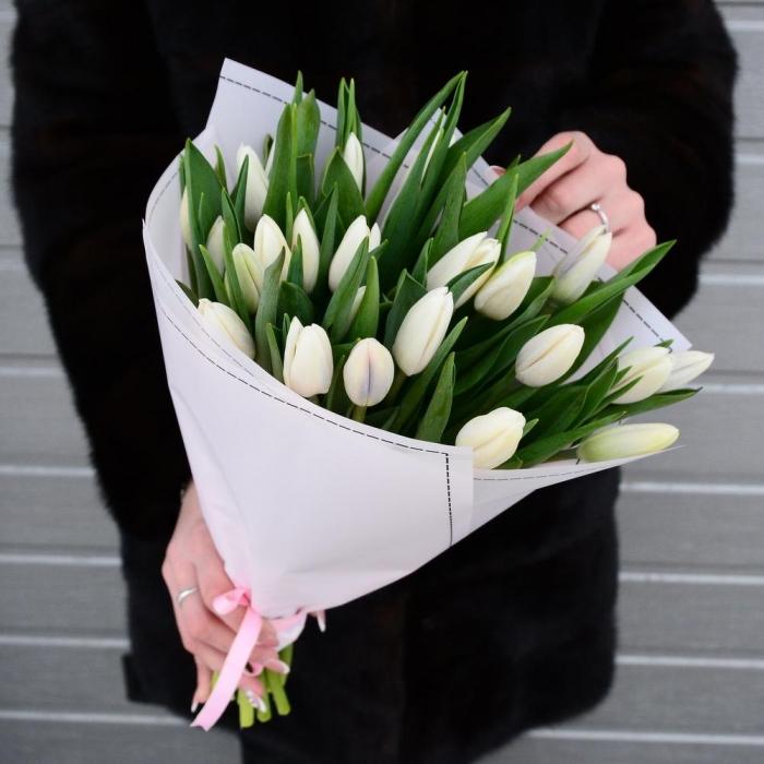 Акция! Букет из 25 белоснежных тюльпанов