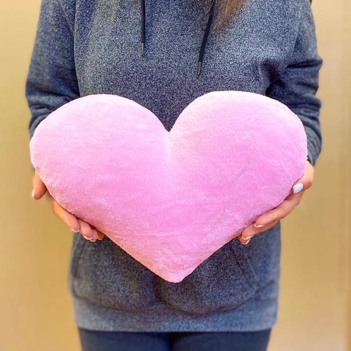 Мягкая игрушка в виде сердца 30 см нежно розовое