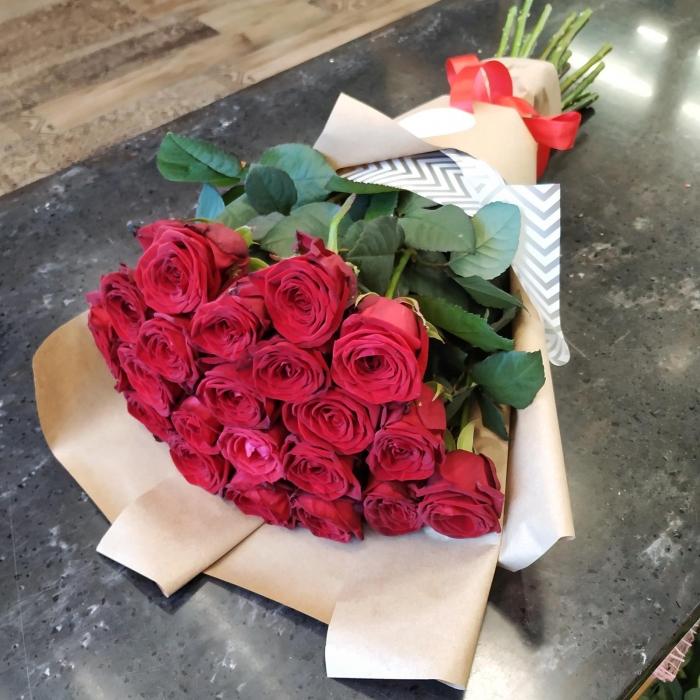 """Букет из 21 красной розы """"Восхищение"""""""