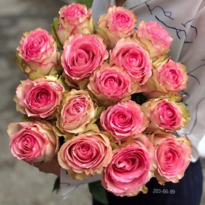Букет из Эквадорских роз Мэгги