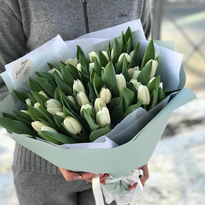 Букет из 51 белоснежных тюльпанов