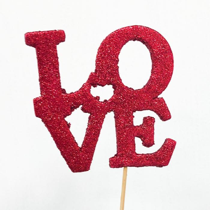 "Топпер красный ""Love"""