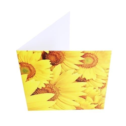Крафт-букет из ярких хризантем