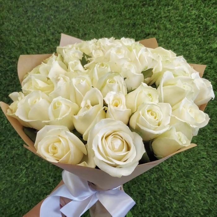 Букет из 41 белой розы 50 см