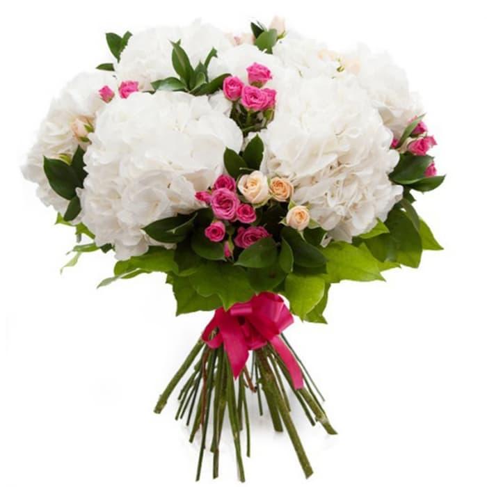Букет Ноты души из гортензий и кустовой розы (Предзаказ 1 неделя)