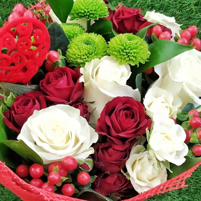 """Букет из белых роз """"Любить тебя вечно..."""""""
