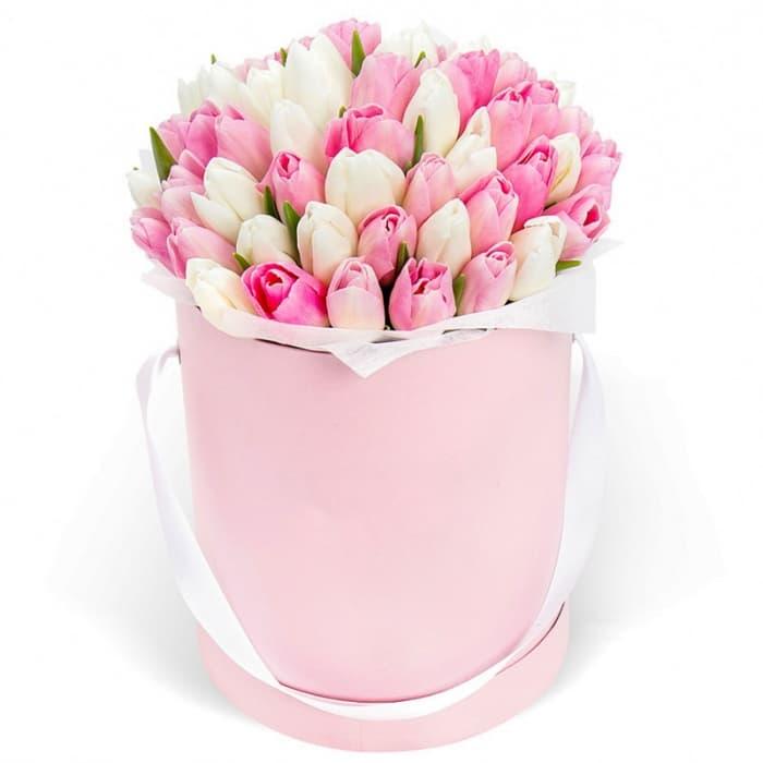 АКЦИЯ!!! Композиция в шляпной коробке из 39 тюльпана