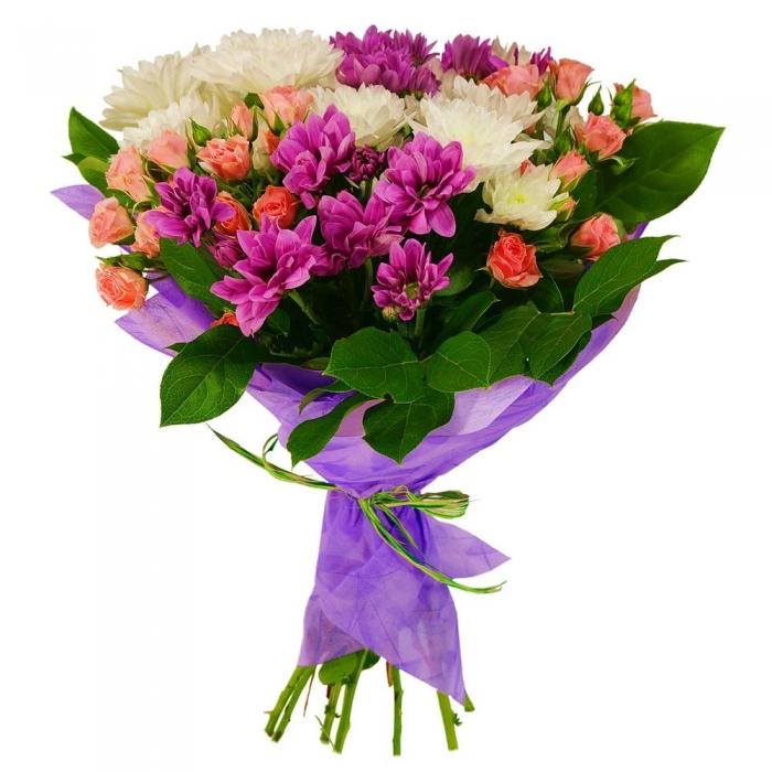 Яркий букет из кустовых хризантем и роз