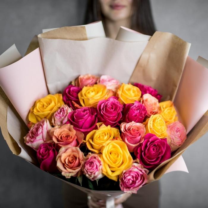 Акция!!! 25 разноцветных Голландских роз