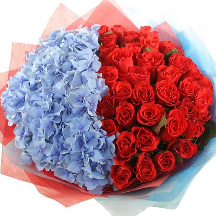 Букет Стихия желаний из гортензий и роз (Предзаказ 1 неделя)