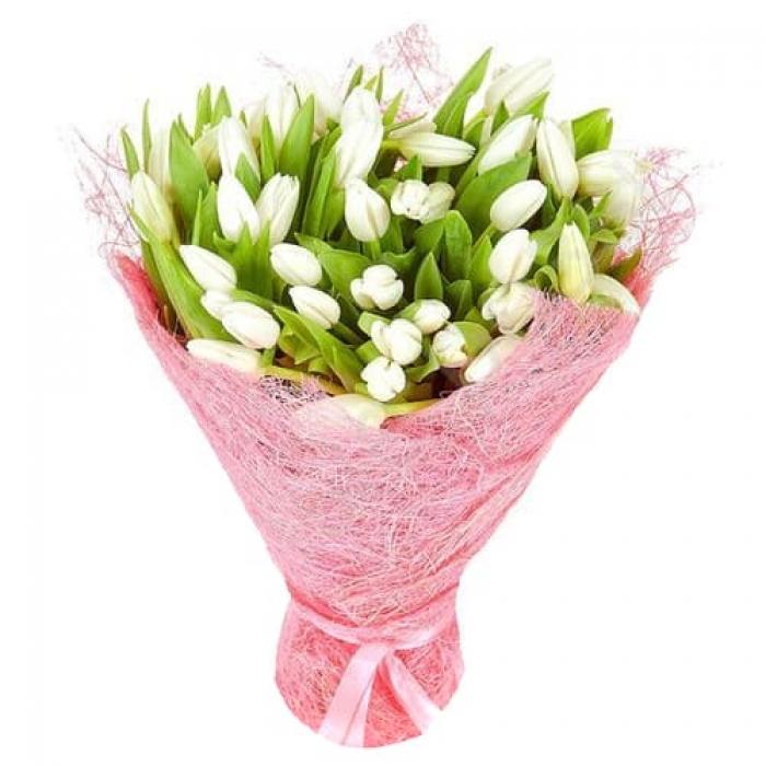 Букет из 25 белых тюльпанов + Пряник