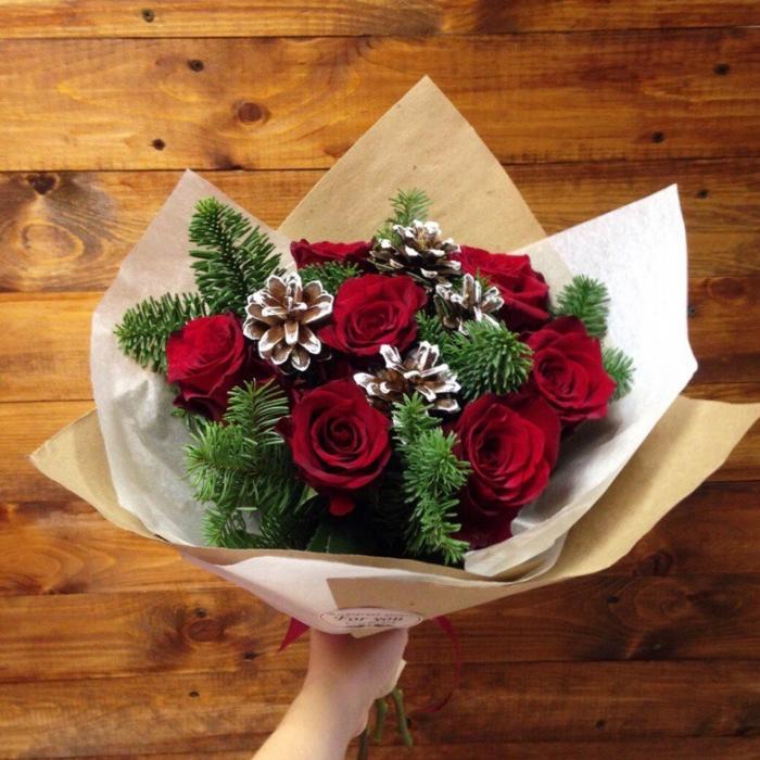 Букет из роз и нобилиса