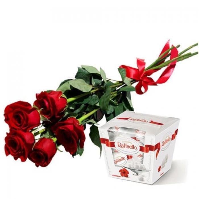 5 голландских роз и Рафаэлло с доставкой