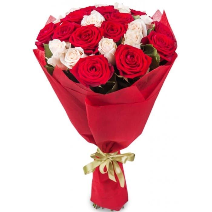 Букет Красная радость из 23 роз + Подарок