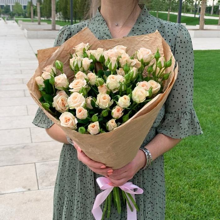 """Букет из 9 кустовых роз """"Мари"""""""
