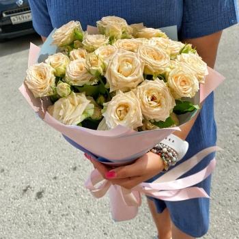 Акция Букет из нежных кустовых роз