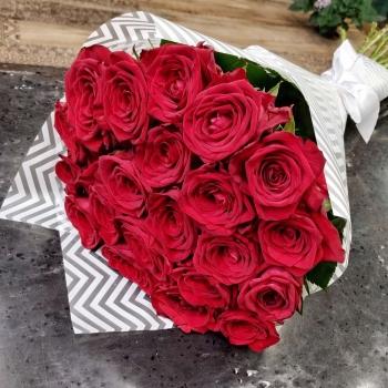 """Букет из 21 красных роз 70 см """"Совершенство"""""""