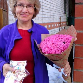 Акция! 25 розовых роз в крафте + подарок и доставка!