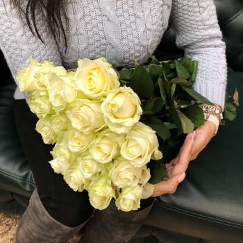 Подарочный набор «От сердца»  белые розы 50 см