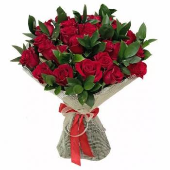 Букет из красных роз для самых любимых