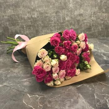 """Букет из кустовых роз """"Гармония"""""""