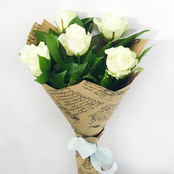 Акция!!! Букет Облачно из 5 белых роз