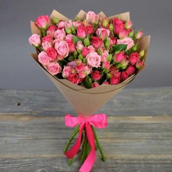 Букет из 9 веточек кустовых роз
