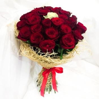 Букет Влюбленность из 25 роз