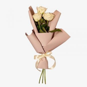 Букет из 3 белоснежных роз 50 см