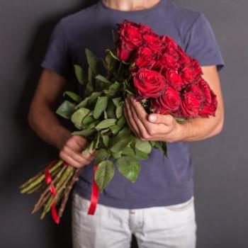 Акция!!! Букет из красных роз 50 см