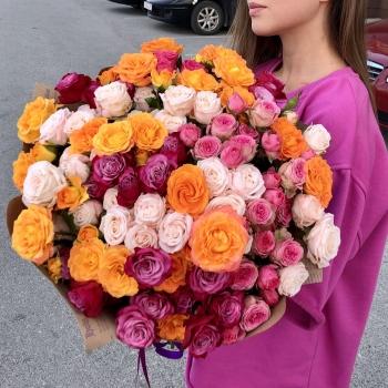 Акция!! Букет из 25  веточек кустовых роз Комплимент