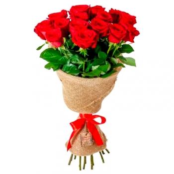 15 красных роз 70 см в сетке