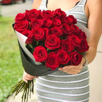 Букет из красных роз 70 см