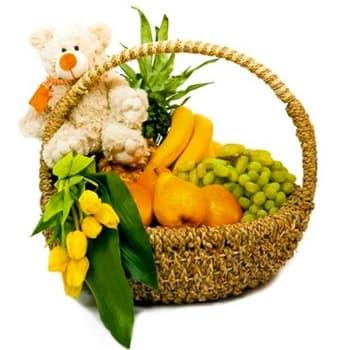Корзина с фруктами, тюльпанами и мягким мишкой