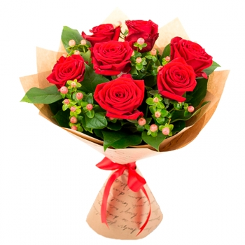 """Букет из 7 роз с гиперикума """"Счастье"""""""