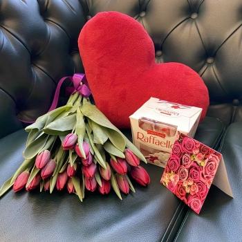 Подарочный набор «Весенний» красные тюльпаны +   сердце