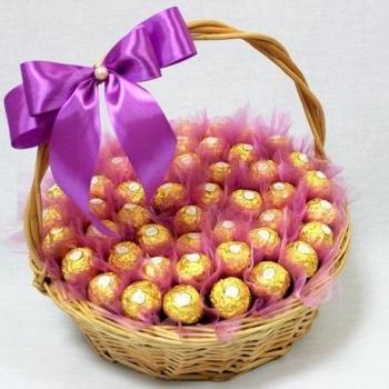 """Корзинка с конфетами  """"Счастье"""""""