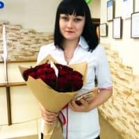 АКЦИЯ! 25 красных роз в крафте + подарок и доставка!