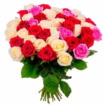 Букет из 59 разноцветных роз